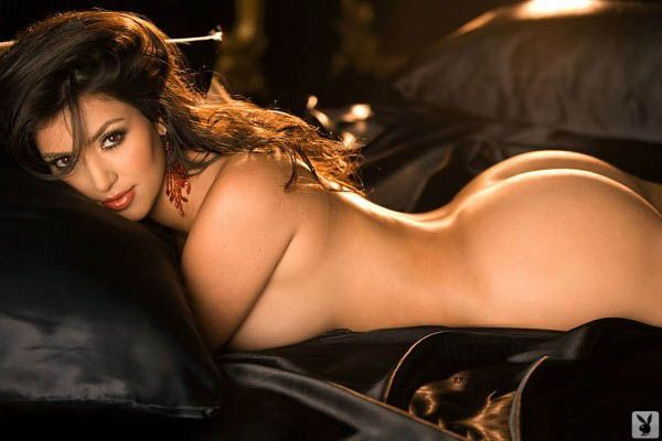 Kim Kardashian Desnuda En Playboy Galer A De Oro