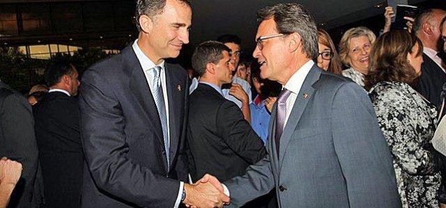 El Rey Felipe VI y el presidente de la Generalidad, Artur Mas El Rey Felipe VI y el presidente de la Generalidad, Artur Mas / FOTO: Casa Real