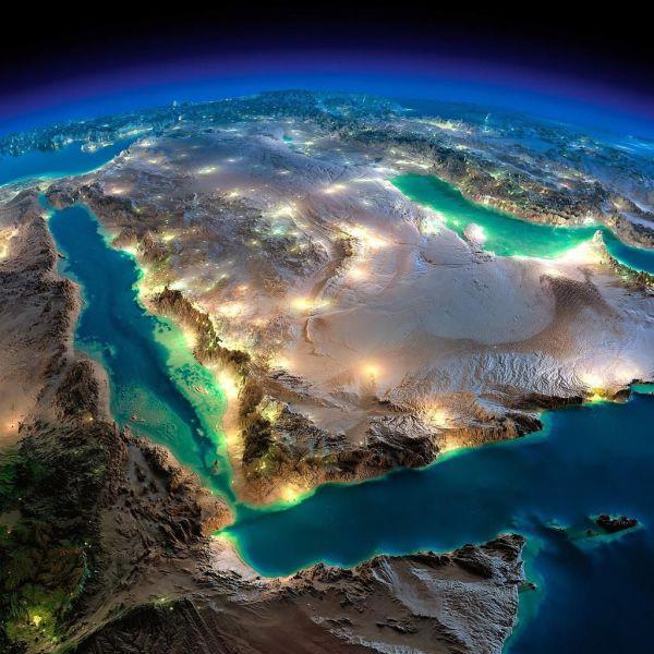 Apaguen las luces de neón en las islas Canarias. No será como la península arábiga, que flota sobre un mar interminable de petróleo.