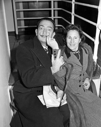 Gala es el único ángel que puede mesarme el bigote. Dalí y Gala