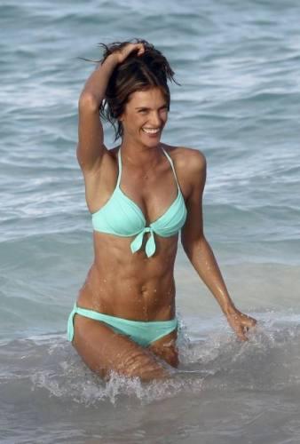Alessandra Ambrosio es una enamorada de los veranos