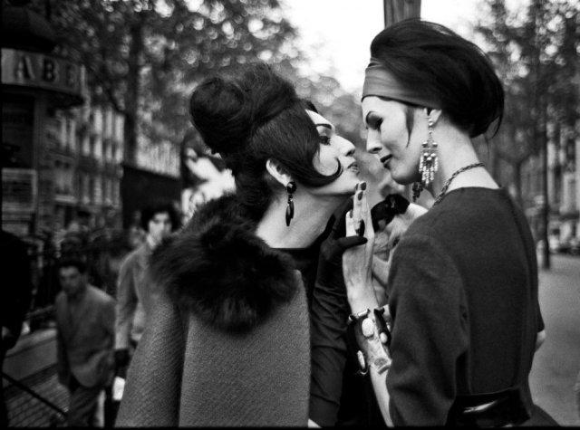 Prostituta transexual en París, 1959