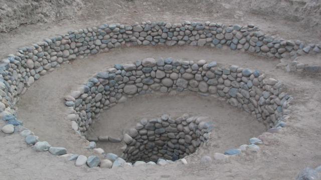 Vista de un puquío cerca de Nazca. (Wikicommons)