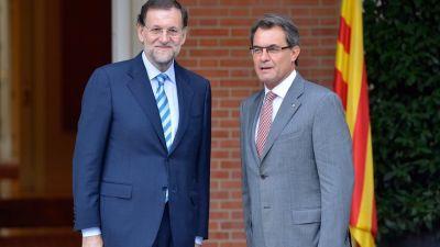 Mas, Rajoy y la cobardía de la gran renuncia EFE