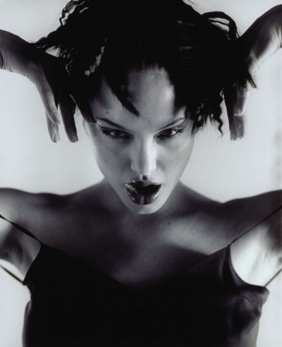 angelina-jolie-by-isabel-snyde-1997